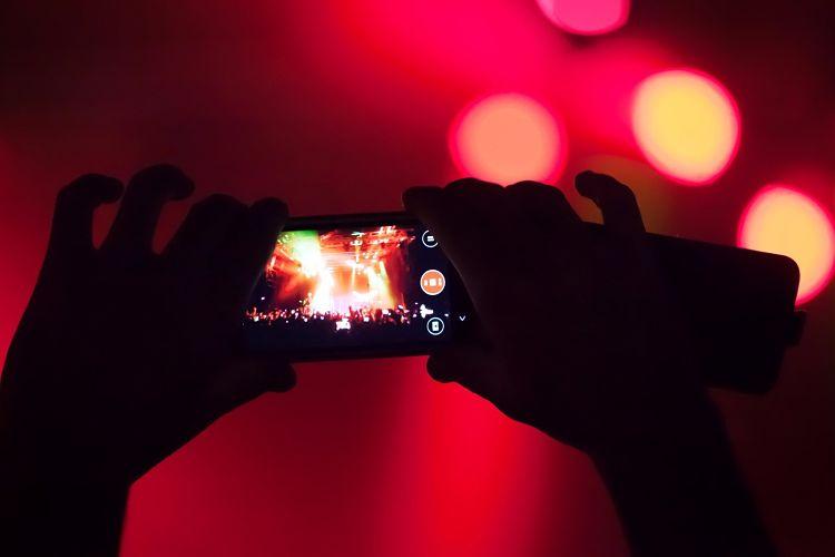 Fotos y vídeos con el móvil de noche