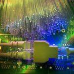 ¿Qué diferencias hay entre ADSL y fibra óptica?