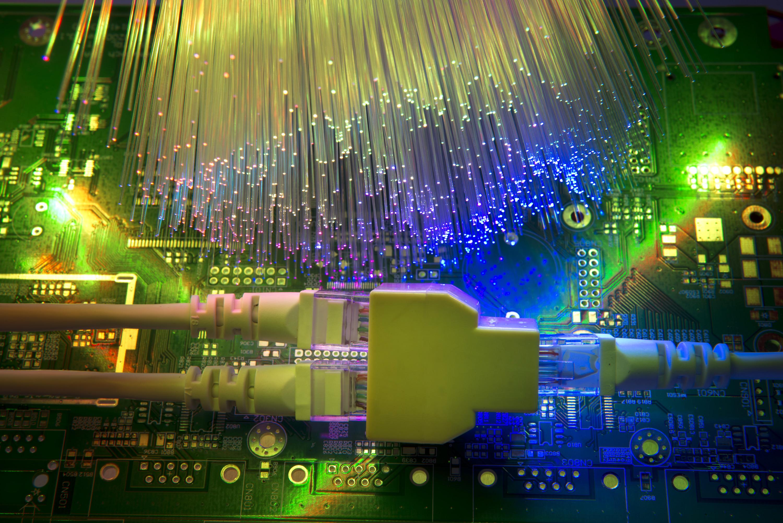 Qu diferencias hay entre adsl y fibra ptica el blog de lowi - Fibra optica en casa ...